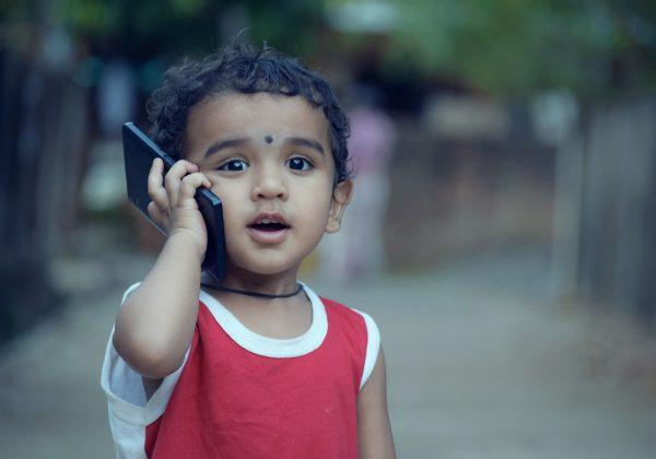 מתי קונים לילדים סמארטפון, ומה חשוב לקחת בחשבון?
